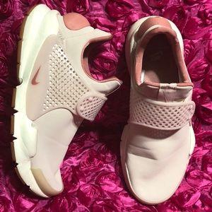 Nike Sock Dart Premium Women's Shoes